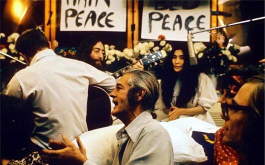 John Lennon und Yoko Ono beim legendären Bed-In
