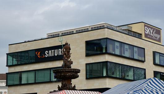 Neptunbrunnen Wuppertal und Saturn-Mediamarkt