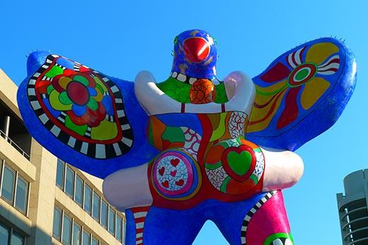 Niki de Saint-Phalle Livesaver Brunnen in Duisburg