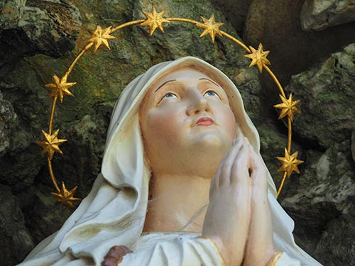Maria mit den Sternen